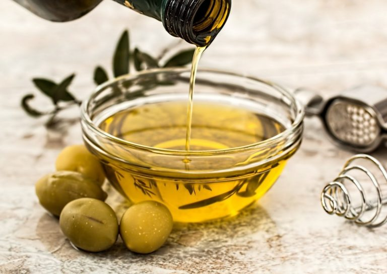 WHAT IS CBD CARRIER OIL? – Which is Best?