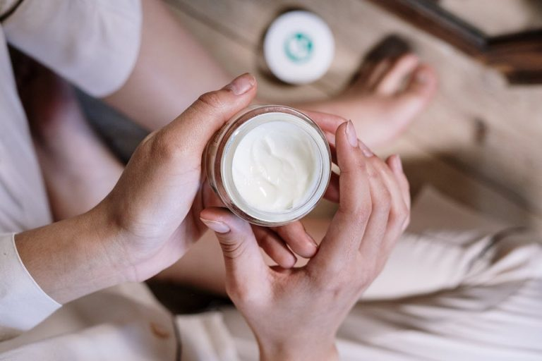 CAN CBD HELP WITH ECZEMA? – Users Say 'Yes' It Can